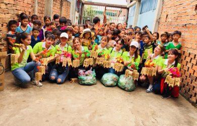 七夕カンボジアの貧しい漁村の中秋節